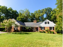Casa Unifamiliar for sales at 9305 Cragmont Dr    Richmond, Virginia 23229 Estados Unidos