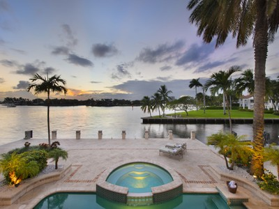 Maison unifamiliale for sales at 707 Royal Plaza Drive  Fort Lauderdale, Florida 33301 États-Unis