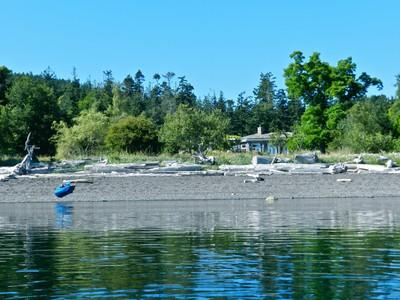 Maison unifamiliale for sales at Avalon - A Nature Lover's Oceanfront Hideaway 9948 Gowlland Point Road  Pender Island, Colombie-Britannique V0N2M3 Canada