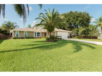 独户住宅 for sales at Home in Sebastian Highlands with 25,265 Sq Ft. 414 Georgia Blvd  Sebastian, 佛罗里达州 32958 美国