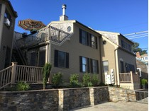 Eigentumswohnung for sales at Spacious Town Home in the historic West End 6 Mechanice Street, Unit E   Provincetown, Massachusetts 02657 Vereinigte Staaten