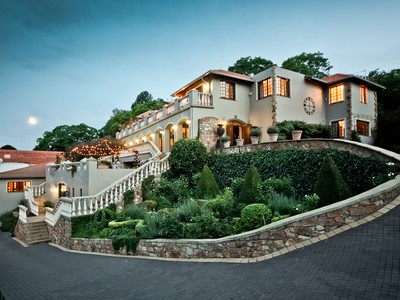 Moradia for sales at Reminiscent of Monte Carlo Johannesburg, Gauteng África Do Sul