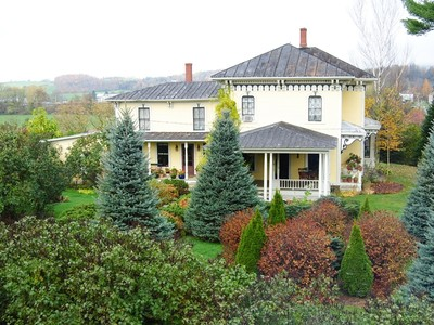 Maison unifamiliale for sales at Historic Victorian 268 Montgomery Road Jay Peak  Berkshire, Vermont 05447 États-Unis