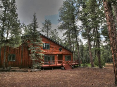 獨棟家庭住宅 for sales at Your Quintessential Cabin 8290 N Roundtree RD  Flagstaff, 亞利桑那州 86001 美國