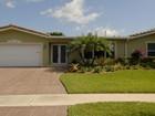 단독 가정 주택 for  sales at 2113 NE 62 CT.    Fort Lauderdale, 플로리다 33308 미국