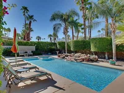 Частный односемейный дом for sales at 1990 Joshua Tree Place 1990 S Joshua Tree Place  Palm Springs, Калифорния 92264 Соединенные Штаты