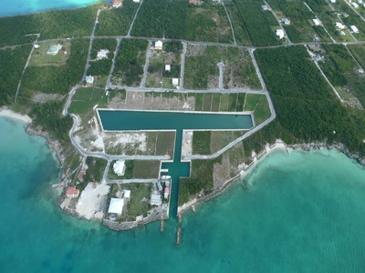 Land for sales at Canal Lot 16 Spanish Wells, Eleuthera Bahamas