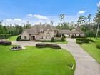 Single Family Home for  sales at 4 Magnolia Pt.    Covington, Louisiana 70433 United States