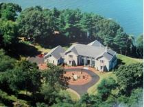 Maison unifamiliale for sales at Estate Setting on 4 Acres 14 Neck Road   Old Lyme, Connecticut 06371 États-Unis