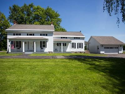 Casa Unifamiliar for sales at Saratoga County Estate 2046 Maple Ave  Charlton, Nueva York 12019 Estados Unidos