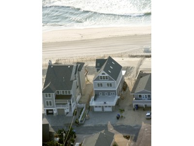 Maison unifamiliale for sales at Fantastic Views 3582 Ocean Terr Normandy Beach, New Jersey 08735 United States