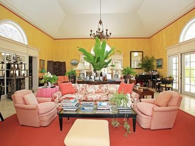 Nhà ở một gia đình for sales at Parco Flora Lyford Cay, New Providence/Nassau Bahamas