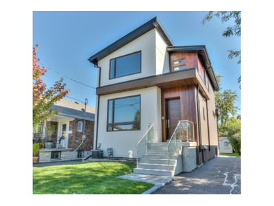 Casa Unifamiliar for sales at 21 Barfield Avenue   Toronto, Ontario M4J4N4 Canadá