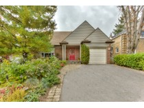 Einfamilienhaus for sales at Million Dollar Skyline View 18 Hillside Drive   Toronto, Ontario M4K2M2 Kanada