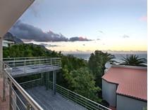 Nhà ở một gia đình for sales at PRIME SOUGHT AFTER MEDBURN ROAD! Cape Town, Western Cape Nam Mỹ