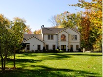 Villa for sales at Strawberry Knolls Colonial 27 Pheasant Run Rd   Putnam Valley, New York 10579 Stati Uniti