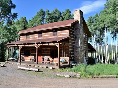 Ferme / Ranch / Plantation for sales at Singing Elk Ranch 8855 Bearpaw Trail Yampa, Colorado 80433 États-Unis