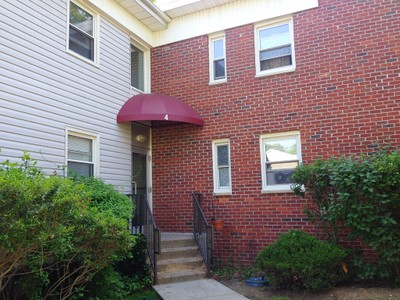 Co-op for sales at Beautifully Updated 2 Bedroom Unit 4 Stokes Road #2A Yonkers, New York 10710 United States