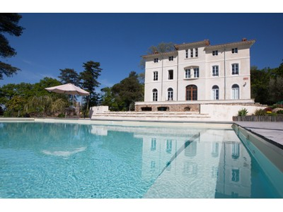 Частный односемейный дом for sales at CASTEL TOSCAN SUR LES HAUTEURS DES BORDS DE LOIRE  Other Pays De La Loire, Луара 44850 Франция