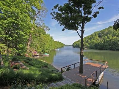 Nhà ở một gia đình for sales at Spectacular Waterfront Home 24 Deer Run Trail  Sherman, Connecticut 06784 Hoa Kỳ