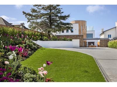 一戸建て for sales at Vantage 62 Pearce Avenue Poole, イギリス BH148EH イギリス