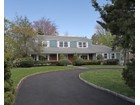 獨棟家庭住宅 for  sales at Beutiful Center Hall Colonial on Corner Lot 27 Old Lyme Road   Scarsdale, 紐約州 10583 美國