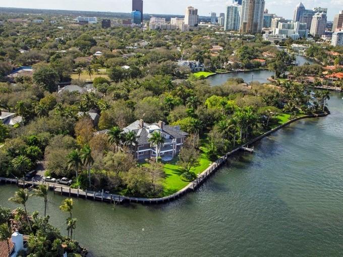 Villa for sales at 1600 Ponce De Leon Dr  Fort Lauderdale, Florida 33316 Stati Uniti