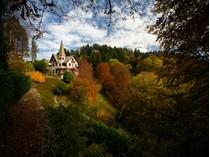 Einfamilienhaus for sales at Beautiful period villa with private park Brunate   Como, Como 22034 Italien