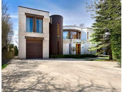 Частный односемейный дом for sales at Bridle Path-Sunnybrook-York Mills 75 Highland Crescent Toronto, Онтарио M2L1G7 Канада