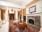 단독 가정 주택 for  sales at Stunning Property In The Old Country Club Area. 571 Knollwood Road Ridgewood, 뉴저지 07450 미국