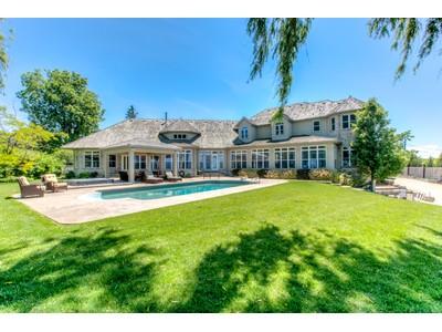 Casa para uma família for sales at A Yachter's Dream 4 Firelane 12A Niagara On The Lake, Ontario L0S1J0 Canadá