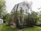 一戸建て for  sales at Delightful Colonial with Dramatic Family Room Addition 711 Harvard Street   Wilmette, イリノイ 60091 アメリカ合衆国
