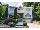 Casa Unifamiliar for  sales at Mediterranean 15 Ridge Place Pelham, Nueva York 10803 Estados Unidos