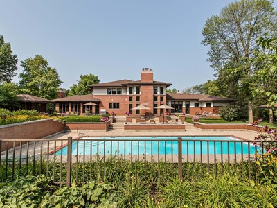Einfamilienhaus for sales at Spectacular Single Family Home on Over Three Acres 1818 Duffy Lane Bannockburn, Illinois 60015 Vereinigte Staaten