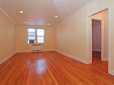 コープ for sales at Huge & Renovated 1 Bedroom 5639 Netherland Avenue 3E Riverdale, ニューヨーク 10471 アメリカ合衆国