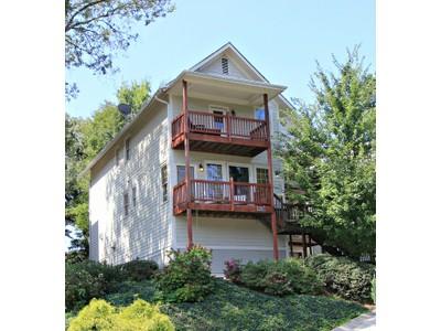 단독 가정 주택 for sales at Three Bedroom House 1181 Davis Place NW #L  Atlanta, 조지아 30318 미국