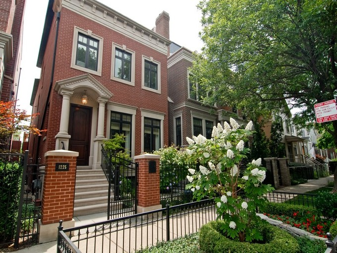 Single Family Home for sales at Like New Home on Private Cul-de-sac 1225 W Henderson Street Chicago, Illinois 60657 United States