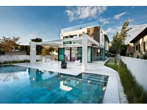 Additional photo for property listing at Ultra-Modern Gated Villa Herzliya Pituach, Israel Israel