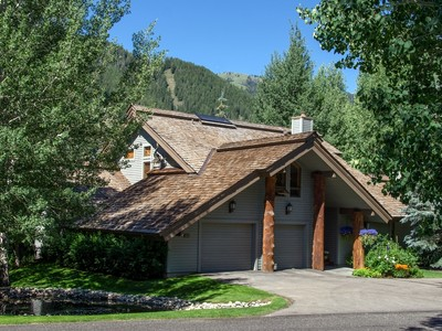Single Family Home for  at Best of the Best in Weyyakin 302 Weyyakin Drive Sun Valley, Idaho 83353 United States