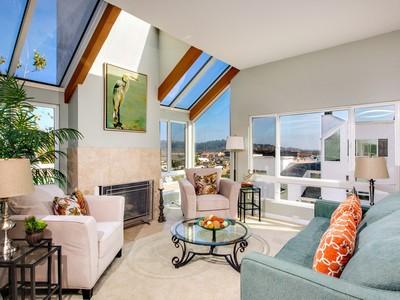 Villetta a schiera for sales at 373 Longden Lane  Solana Beach, California 92075 Stati Uniti