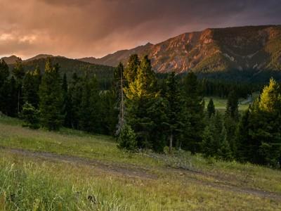 Terreno for sales at Antler Ridge View Homesite 332 Fourpoint Road  Big Sky, Montana 59716 Estados Unidos