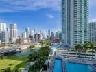 Condomínio for sales at Ivy Condo 90 SW 3 Street Unit 1602 Miami, Florida 33130 Estados Unidos