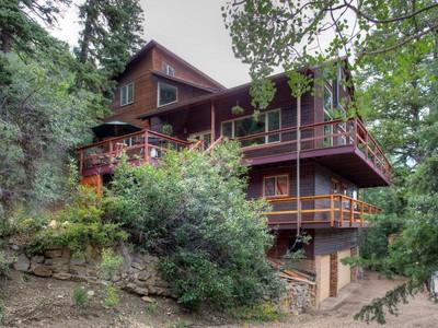 Maison unifamiliale for sales at Beautiful Mountain Retreat Bordering Deeded Open Space 645 Matterhorn  Park City, Utah 84098 États-Unis