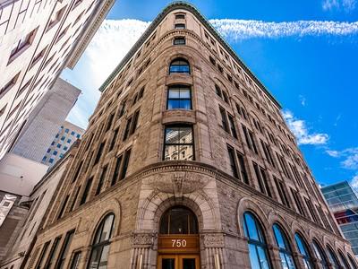 共管式独立产权公寓 for sales at Montréal 750 Côte de la Place-d'Armes, apt. 33 Montreal, 魁北克省 H2Y2X8 加拿大