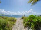 Appartement en copropriété for  sales at Casa Del Mar 881 Ocean Drive 14F  Key Biscayne, Florida 33149 États-Unis