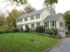 Vivienda unifamiliar for  sales at Completely Updated Colonial 82 Ritch Drive   Ridgefield, Connecticut 06877 Estados Unidos