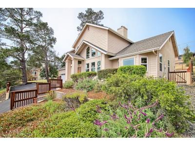 Nhà ở một gia đình for sales at Pineridge House 1651 Pineridge Cambria, California 93428 Hoa Kỳ