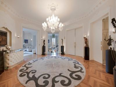 Maison unifamiliale for sales at Appartement - Georges Mandel  Paris, Paris 75116 France