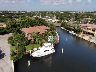 Maison unifamiliale for sales at 3140 NE 23 Ave.   Lighthouse Point, Florida 33064 États-Unis