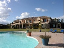 Villa for sales at El Paraiso Barronal    Estepona, Andalusia 29680 Spagna